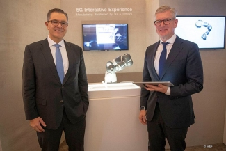 Sami Atiya, President of ABB Robotics and Discrete Automation, and Börje Ekholm, CEO of Ericsson. (C) WEF